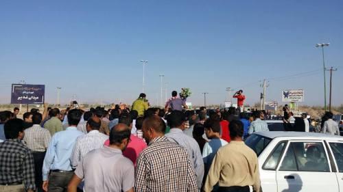 استقبال از کارگران آزا شده